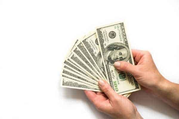Dave Ramsey Money Advice to use Cash Envelopes for your expenses
